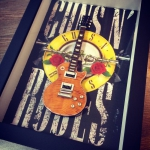 Quadro Slash com Mini Guitarra