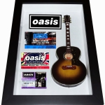 Quadro Noel Gallagher com Mini Violão